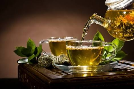 Pros and Cons of Green Tea