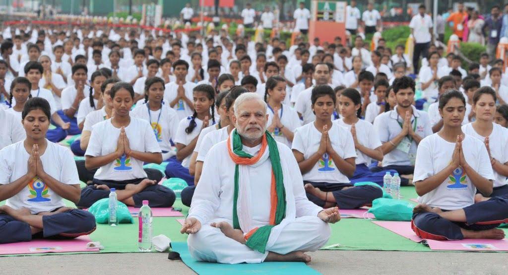 International Day of Yoga - PM Modi leads Mass Demonstration at Rajpath New Delhi