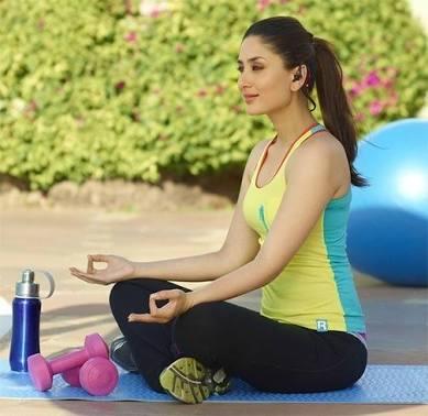 Kareena Kapoor Khan doing yoga
